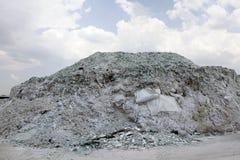 Завод по переработке вторичного сырья стекла автомобиля Стоковая Фотография