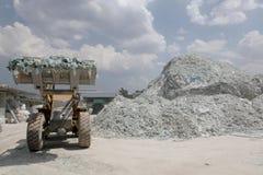 Завод по переработке вторичного сырья стекла автомобиля Стоковое Фото