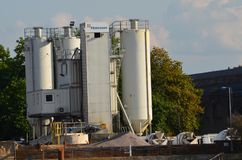 завод цемента смешивая стоковые фото