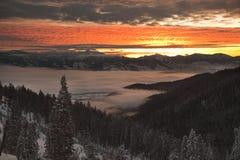 заволакивает восход солнца заворота Стоковое Изображение RF
