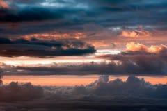 заволакивает заход солнца Стоковые Изображения RF