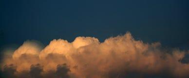 заволакивает заход солнца Стоковое Изображение