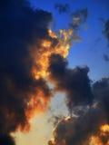 заволакивает заход солнца Стоковые Фотографии RF