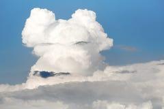 заволакивает небо Белые облака, изменения климата Стоковые Фотографии RF