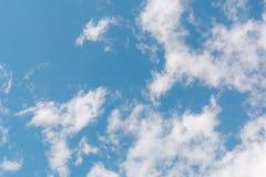 заволакивает небо синь заволакивает небо Стоковые Фотографии RF