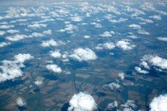 заволакивает полет сверх Стоковая Фотография
