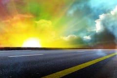заволакивает солнце неба дороги Стоковая Фотография