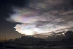 заволакивает nacreous зима ночи Стоковая Фотография RF
