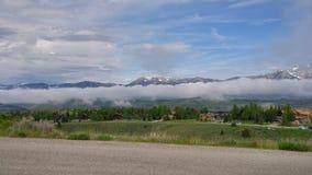 Заворот облака горы стоковая фотография rf