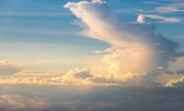 заволакивает заход солнца неба Стоковые Фотографии RF