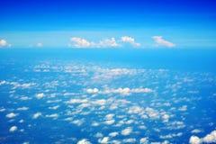 заволакивает небеса стоковое изображение