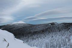 заволакивает небо природы озера Стоковое Изображение