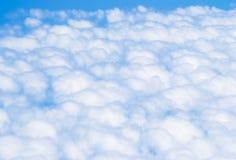 заволакивает небо синь заволакивает белизна неба голубое небо облака Стоковые Изображения RF