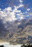 заволакивает небо Стоковые Фото
