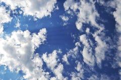 заволакивает небо Стоковое фото RF