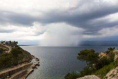 заволакивает темный драматический шторм Стоковые Фотографии RF
