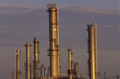Завод по обработке нефти на Sarnia, Канаде стоковые фото