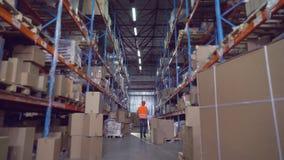 Заводской рабочий в запасе акции видеоматериалы