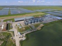 Завод для засыхания и хранения зерна Взгляд сверху Стержень зерна Стоковая Фотография