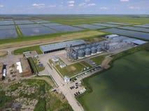 Завод для засыхания и хранения зерна Взгляд сверху Стержень зерна Стоковые Изображения