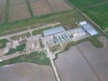 Завод для засыхания и хранения зерна Взгляд сверху Стоковые Изображения RF