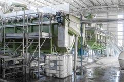 Завод для рециркулировать бутылки Стоковые Фото