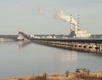 Завод Powwer и мост корабля Стоковые Фотографии RF