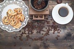 Завтрак в винтажном стиле Кофе, печенья над взглядом Стоковая Фотография RF