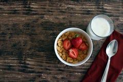 Завтрак клубники хлопьев Стоковое Изображение