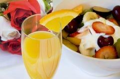 завтрак кровати романтичный Стоковые Фотографии RF