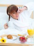 завтрак кровати Стоковое фото RF