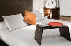 завтрак кровати Стоковое Изображение