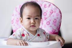 Завтрак милого ребёнка ждать Стоковое фото RF