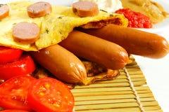 Завтрак на белой деревянной предпосылке Стоковые Фото
