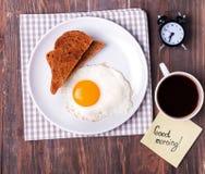 Завтрак на деревянном столе Стоковые Фотографии RF