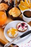Завтрак на подносе Стоковое Изображение