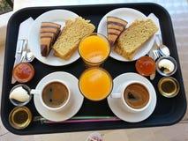 Завтрак на террасе Стоковая Фотография