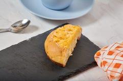Завтрак плюшки сливк кокоса стоковые изображения
