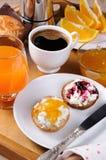 Завтрак плюшки с рикоттой Стоковая Фотография