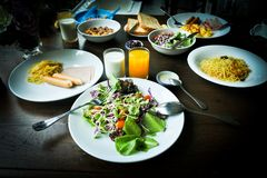 Завтрак семьи стоковое изображение rf