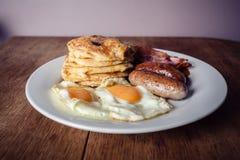 Завтрак с блинчиками и беконом Стоковое Фото