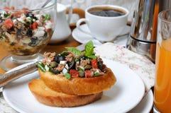 Завтрак с гренками и кофе Стоковые Изображения RF
