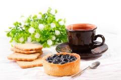 Завтрак с тортом черники Стоковая Фотография