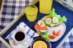 Завтрак с фруктом и овощем Стоковое Изображение RF