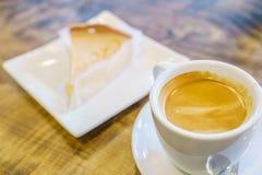 Завтрак с яблочным пирогом и кофе Стоковые Изображения RF