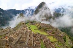 Загадочное Machu Picchu в светлом тумане, зона Cusco, провинция Urubamba, Перу, археологические раскопки Стоковые Фото