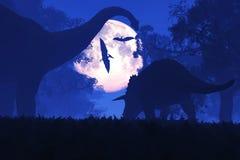 Загадочный волшебный доисторический лес фантазии на ноче в полнолунии Стоковое Фото