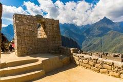 Загадочный город - Machu Picchu, Перу, Южная Америка. Incan руины и терраса. Пример полигонального masonry Стоковое Изображение RF