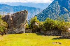 Загадочный город - Machu Picchu, Перу, Южная Америка. Incan руины и терраса. Стоковая Фотография