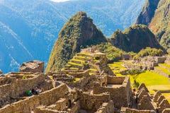 Загадочный город - Machu Picchu, Перу, Южная Америка. Incan руины. Пример полигонального masonry Стоковое Изображение RF